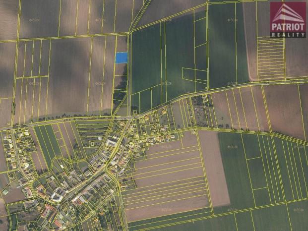 Prodej pozemek Topolany u Olomouce
